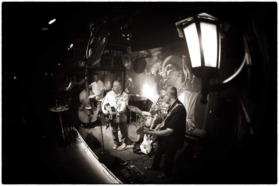 🎆Ti 31.12 Masa Saloranta Rock'n'roll Trio Klo 23.00-01:30🎆